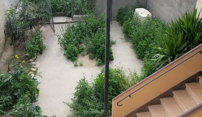 Elne, maison de ville avec jardin et garage!